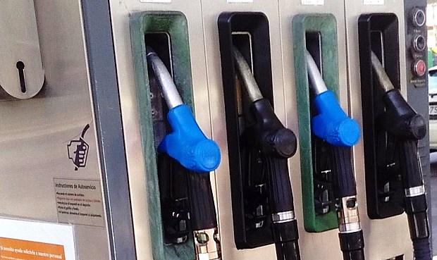 El consumo de combustibles retrocedió en 2020