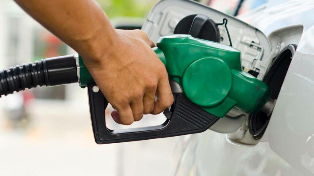 El consumo de combustibles de automoción de junio superó en un 1,3% el del mismo mes de 2019.